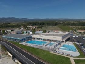 PEYRIAC_Centre-aquatique_-Photo-Drone-Crédit-photo-SARL-EQUALIA.jpg